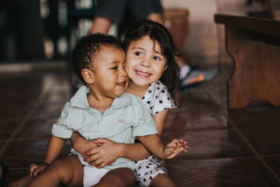 Nurturing A Bond Between Siblings – Five Top Tips!